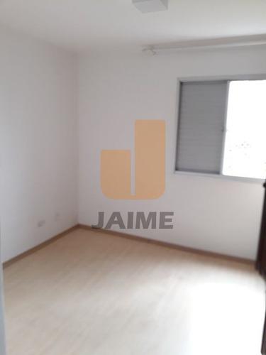 Apartamento Bem Localizado, Com Sacada, Pronto Pra Entrar, Próximo À Faculdades E Escolas. - Bi5234