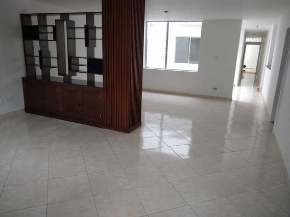 Casa En Arrendamiento - Sector Lorena, Laureles Cod: 20040