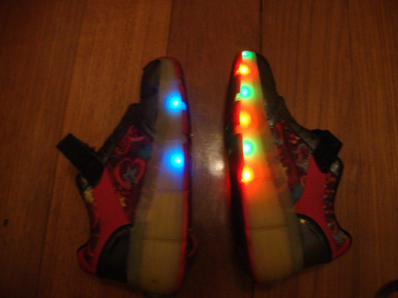 Zapatillas Footy Con Luces Y Ruedas N 33