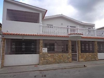Casa En Venta. La Victoria. Cod Flex 18-3888