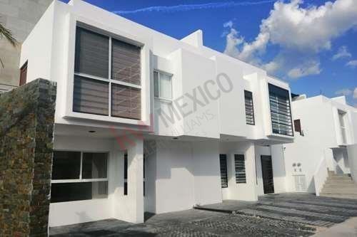 Venta De Casa Duplex En Juriquilla Queretaro Planta Alta 3 Habitaciones Roof Garden Y Amenidades Precio De Promocion