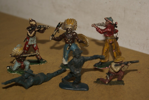 Imagen 1 de 2 de Lote 7 Indios Y Cowboys. Plástico. Década 60