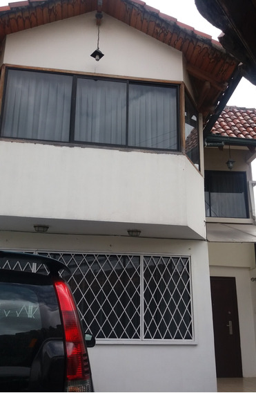 Rento Casa En Cumbaya, Cerca Al Paseo San Francisco