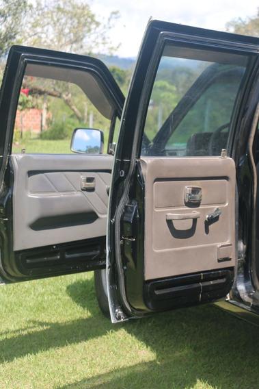 Chevrolet-luv Negro Doble Cabina