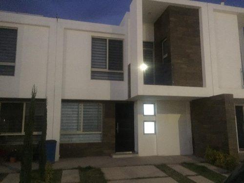Casa En Renta En Privada Punta Del Este Zona Industrial