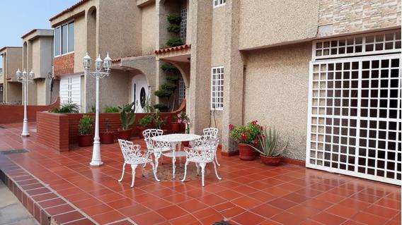 Townhouse En Venta En Maracaibo-jacqueline Bello
