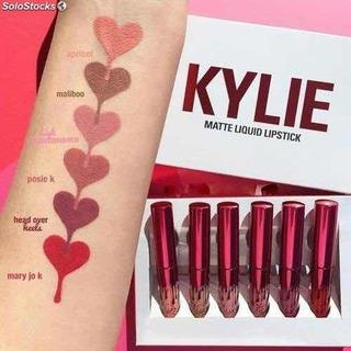 1 Set Kylie Edition San Valentine