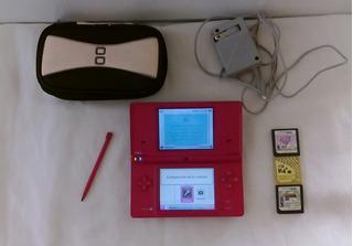 Nintendo Dsi Rosado + Cargador + R4