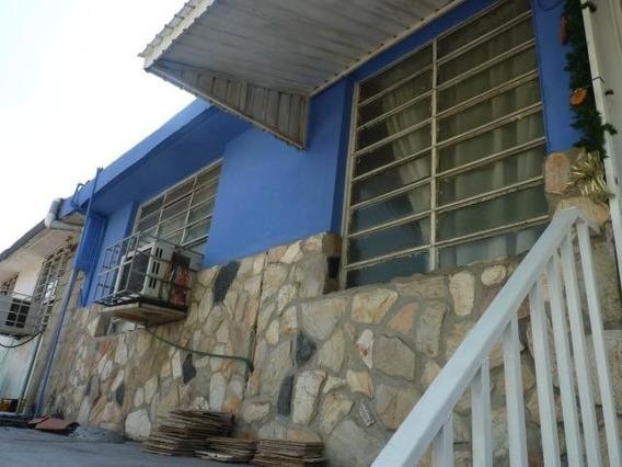 Casa En Venta En Urb Las Acacias, Maracay Zp 20-14145