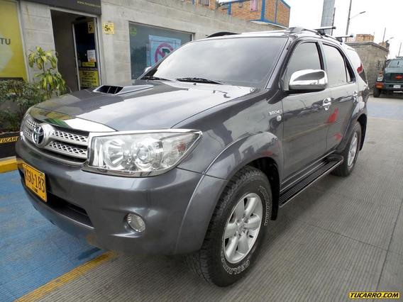 Toyota Fortuner Srv