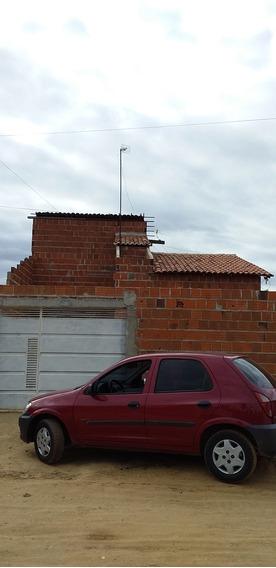 Casa Com 3 Quartos, 2 Banheiros, Cuzinha, Sala, Área De Serv