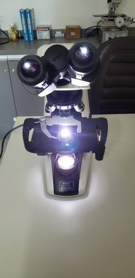 Microscópio Nikon E-200