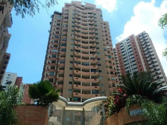 Venta Apartamento Las Chimeneas 19-18110 Mz