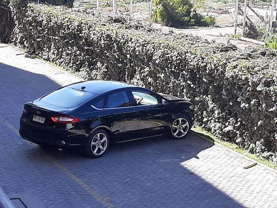 Sedan Ford Fusion 2,5