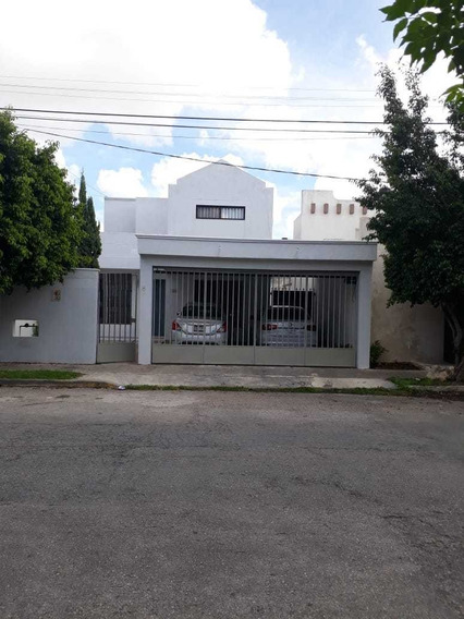 Hermosa Casa En Venta En El Fraccionamiento Francisco De Montejo