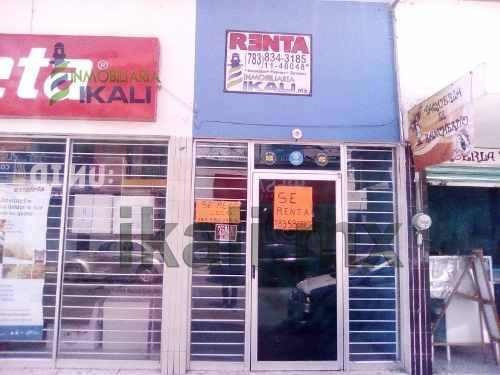 Renta Local Comercial Zona Centro Tuxpan Veracruz. Ubicado En Calle Melchor Ocampo, Cuenta Con Un Frente De 3 M² Y Una Largura De 7 M², Dando Una Superficie Útil De 21 M², Medio Baño, Cuenta Con Todo