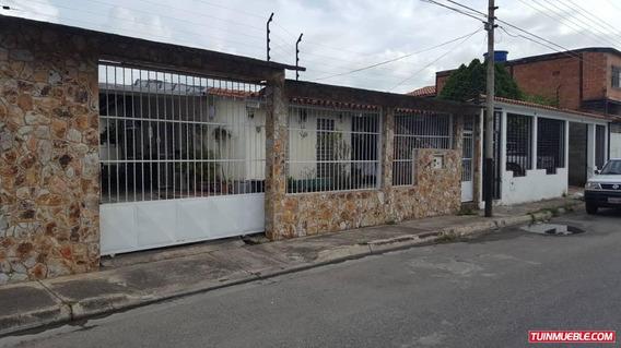 Bella Casa Semiamoblada Ubicada En Base Sucre