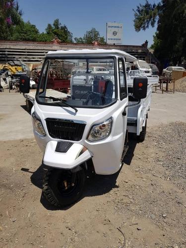 Imagen 1 de 5 de Motocarro Doble Rodado 300 Cc Pick Up Sunl Con Cabina Dayang