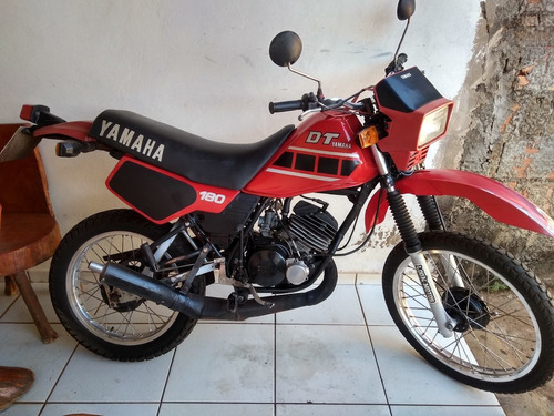 Imagem 1 de 5 de Yamaha Dt 180