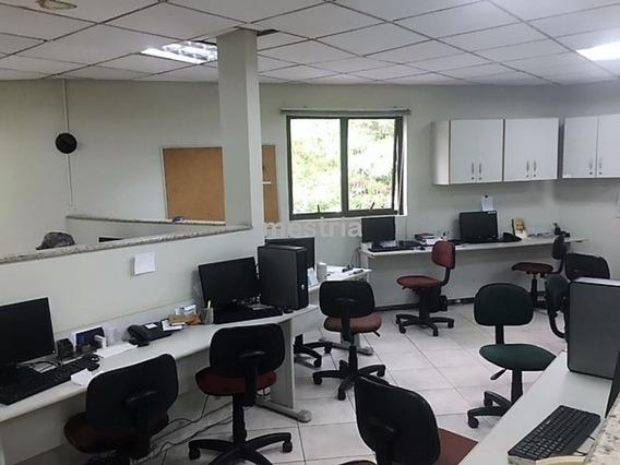 Casa Comercial Em Excelente Localização - Di34285