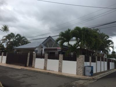 Coalicion Vende Lujosa Casa 257 Mts2 En Gurabo