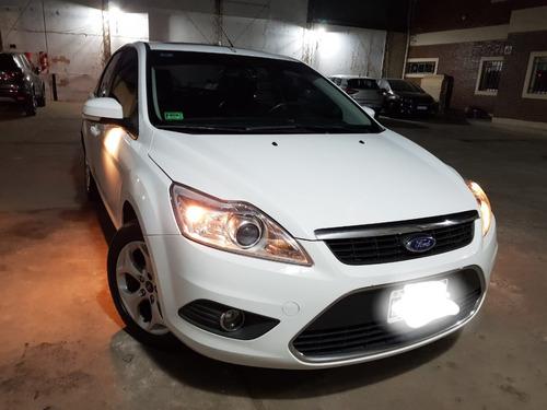Ford Focus Exe 2.0 4p Ghia  Mt