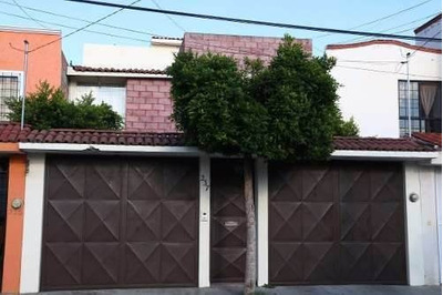 En Tejeda, 4 Recámaras Con Baño, 4.5 Baños, Estudio, 3 Autos
