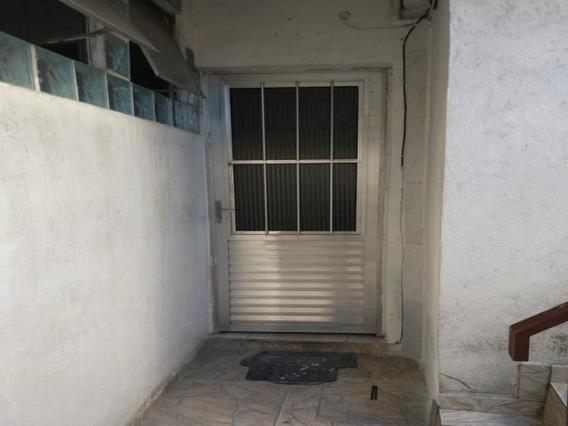 Casa Na Vila Yolanda Com 4 Cômodos E 1 Vaga. - 10622