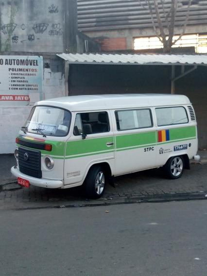 Volkswagen Kombi 1.4 Lotação Total Flex 3p 2010