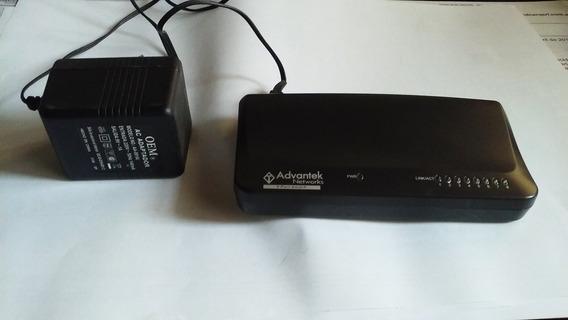 Switch Advantek Networks 8 Puertos Usado. Perfecto Estado.