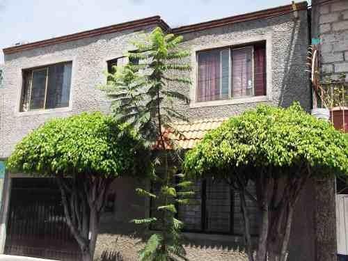 Casa Con Departamento En Nezahualcóyotl