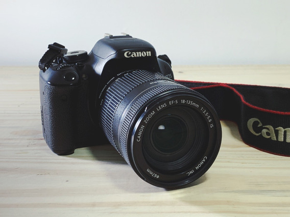 Canon T3i + Canon Ef-s 18-135mm