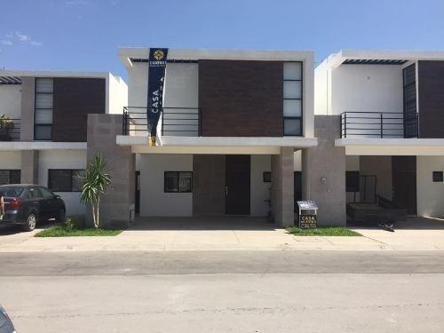 Casa Sola En Venta Fracc. Villa De Las Palmas (viñedos)