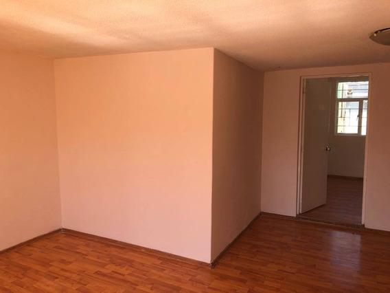 Casa En Renta Amarillo, Izcalli