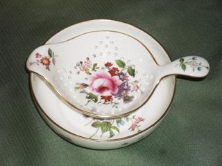 Colador De Té Porcelana Royal Crown Derby China De Colección