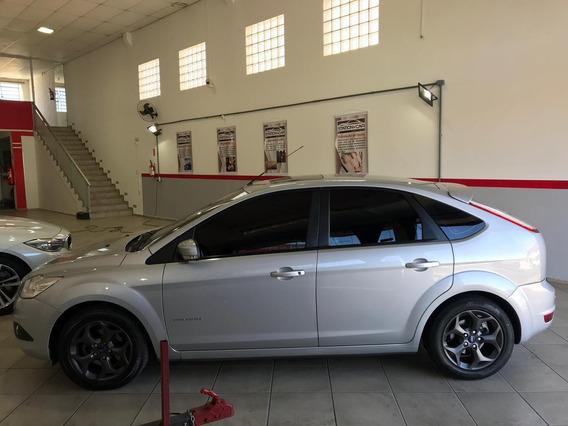 Ford Focus 2.0 Titanium 2011 - Muito Novo