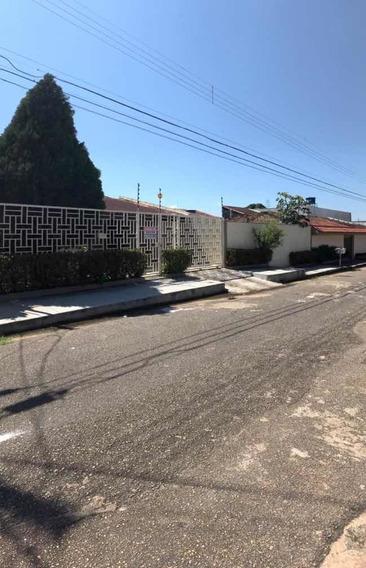 Ampla Casa + Terreno Lateral Integrado Com Área De Lazer.