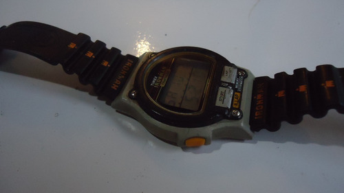 Relogio  Timex  Iron Triathlon   Water Resistant 100 Meters