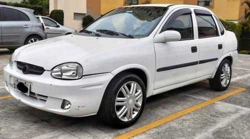 Imagem 1 de 13 de Chevrolet Corsa Sedan 2003 1.6 Classic 4p