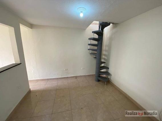 Casa Com 01 Dormitório E 01 Vaga De Garagem - Jardim Da Glória - Ca1660