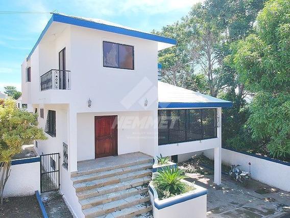 Amplia Casa Residencial Proyecto Cerrado Urbanizacion Brisol