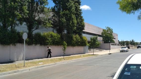 Casa De Dos Habitaciones Con Fondo En Nuevo París