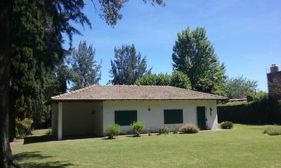 Casa Quinta 4 Ambientes, Despensa Y Porche. Pileta De 9 X 5.