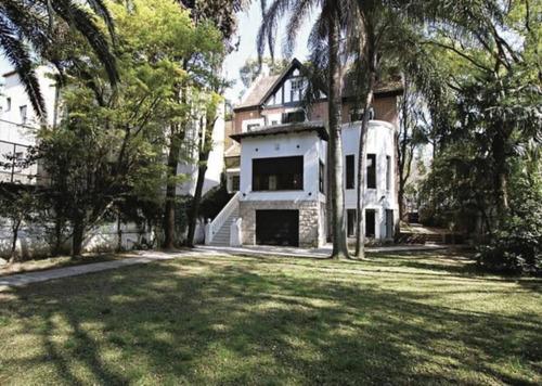 Excelente Residencia Estilo Ingles Con Gran Parque Y Piscina