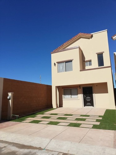 Casa En Renta Boulevard Juan Navarrete, La Encantada