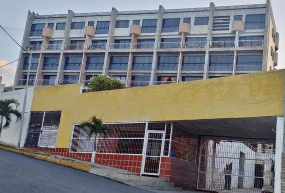Mn Apartamento En Venta Playa Grande Mls #20-8375