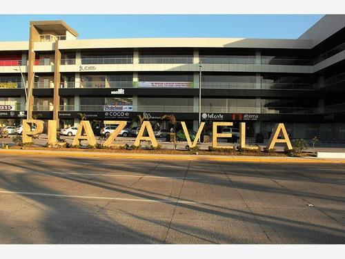 Imagen 1 de 10 de Local Comercial En Renta Plaza Vela