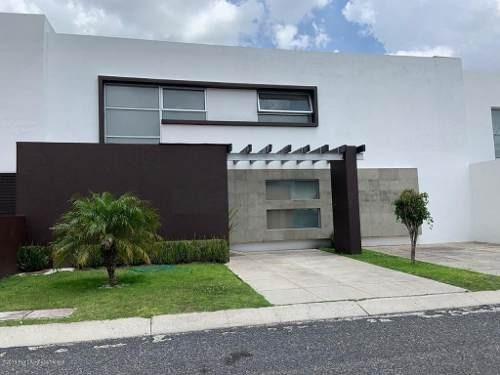 Casa En Renta En Mision Conca, Queretaro, Rah-mx-19-1739