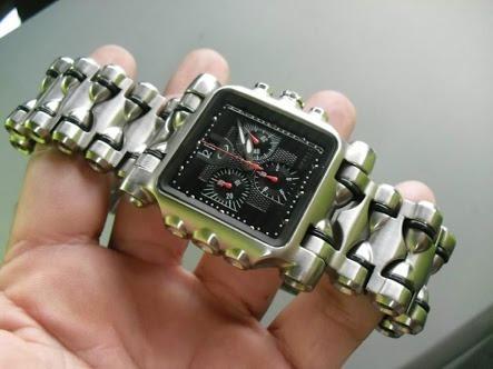 Relógio Minute Machine Com Fundo Preto Em Até 12x Sem Juros