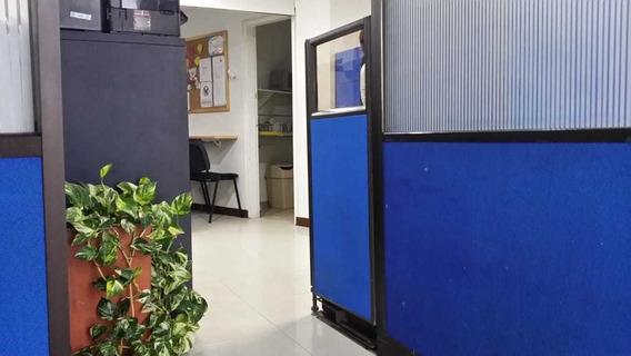 Oficina En Venta En El Centro, Medellin. Codigo 1358499